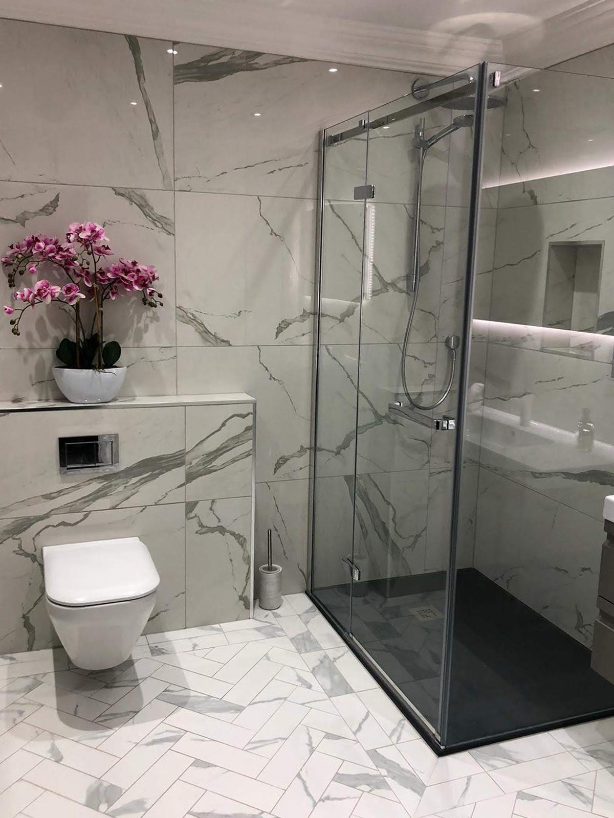 51449742-0-Bathroom-Tiles-Ensui