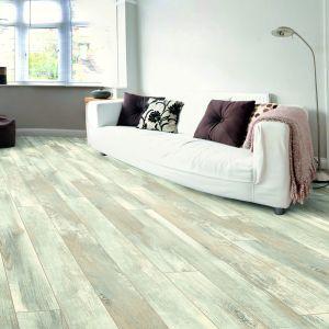 Laminate Flooring - 8mm Dynamic Plus 4V AC4 Oak Chatel 138x20cm