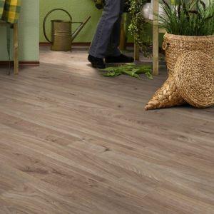 Laminate Flooring - 8mm Dynamic Plus 4V AC4 Bracken Oak (EIR) 138x19cm