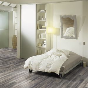 Laminate Flooring - 8mm Dynamic Plus Wide 4V AC4 Barn Oak 138x24cm