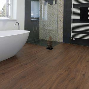 Laminate Flooring - 9.3mm Disano Classic Aqua Wild Oak 203x23cm