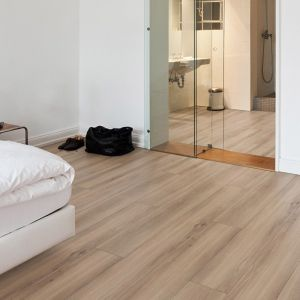 Laminate Flooring - 9.3mm Disano Classic Aqua Tobacco Oak 203x23cm