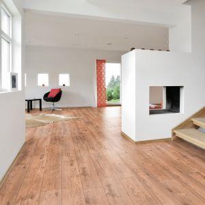 Laminate Flooring - 10mm Metro Chestnut 4V AC5 Chestnut Nature (EIR) 138x19cm