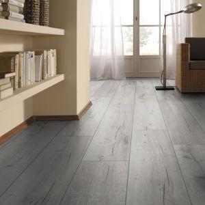 Laminate Flooring - 12mm Robusto 4V AC5 Rip Oak White 138x19cm