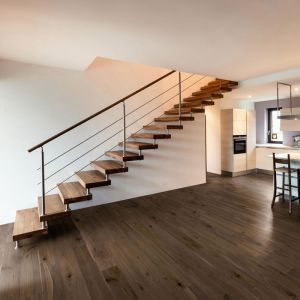 Engineered Wood - Monolam American Walnut Varnished RLx15cm