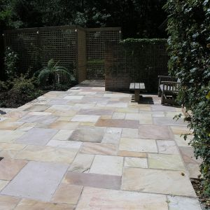 Mint Sandstone Calibrated Hand-Cut Paving Patio Pack B / 15.12m2