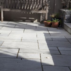 Kota Grey Limestone Hand-Cut Calibrated Paving 60x30cm