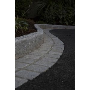 Silver Granite Hand-Cut Tumbled Cobble 10x10cm